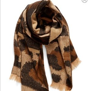 Mixed Leopard pattern scarf ✨